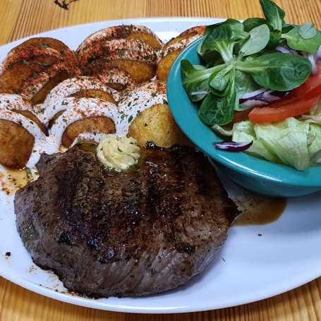 Steak 0, 25 kg (beef-rib eye) + salad + steak fries