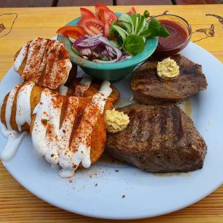 Steak 0, 5 kg (beef) + salad + gringos fries